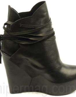 Дизайнерски обувки на висока платформа La Speciale