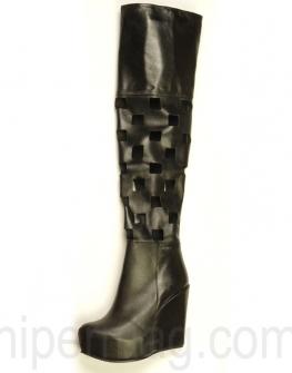 Екстравагантни дамски чизми La speciale с прорязани квадрати