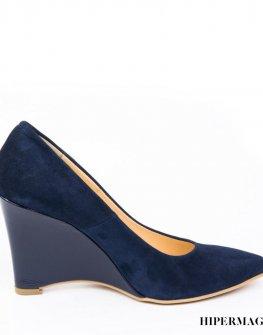 Стилни дамски обувки от велур Sara Pen