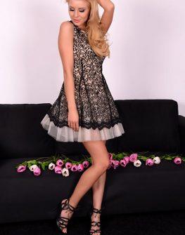 Клоширана дантелена рокля