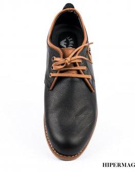 Елегантни мъжки обувки с метално лого