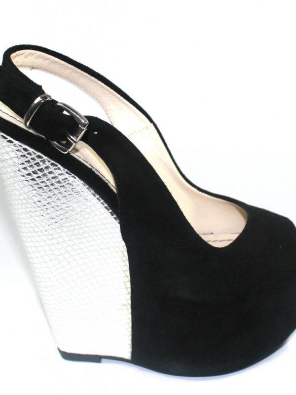 Високи сандали Sara Pen на платформа