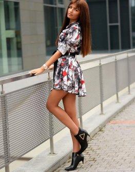 Стилна рокля DPmoda в ефектен десен