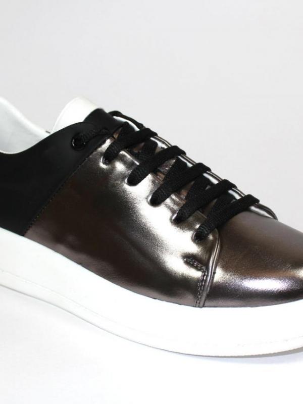 Спортни дамски обувки Sara Pen в черно