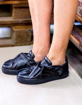 Обувки със интересен дизайн La Speciale