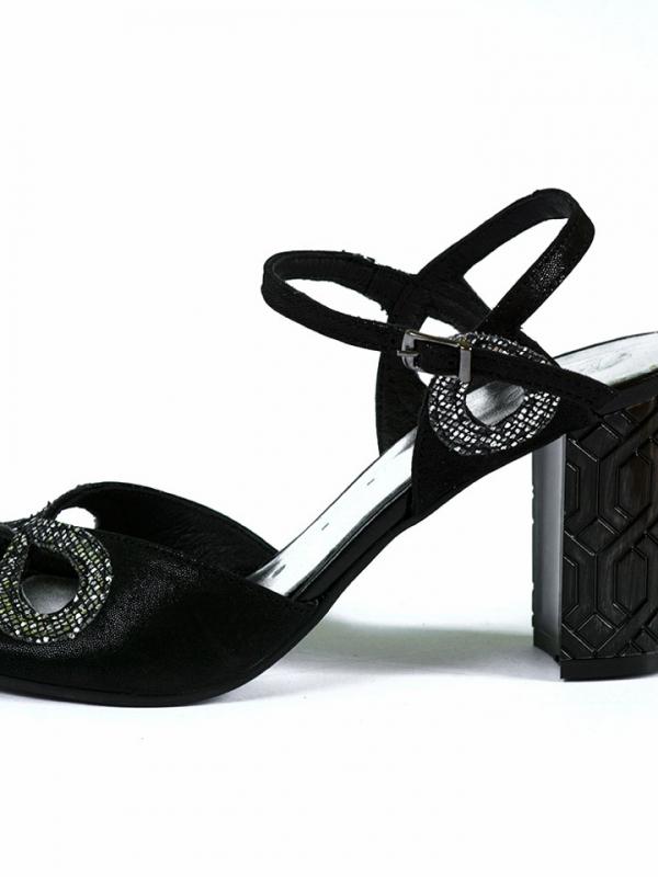 Красиви дамски сандали Balis в черно