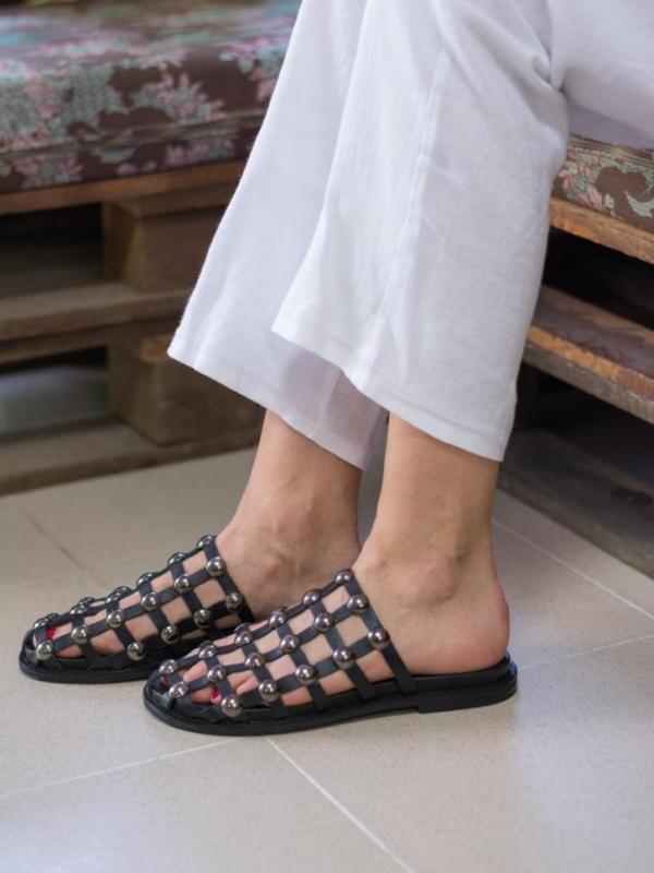Интересни чехли за дамите от естествена кожа La Speciale