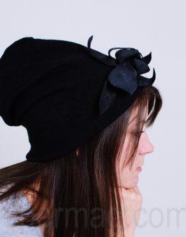 Дамска шапка La Speciale с цвете
