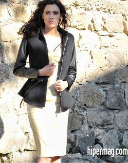 Късо черно палто от La Speciale