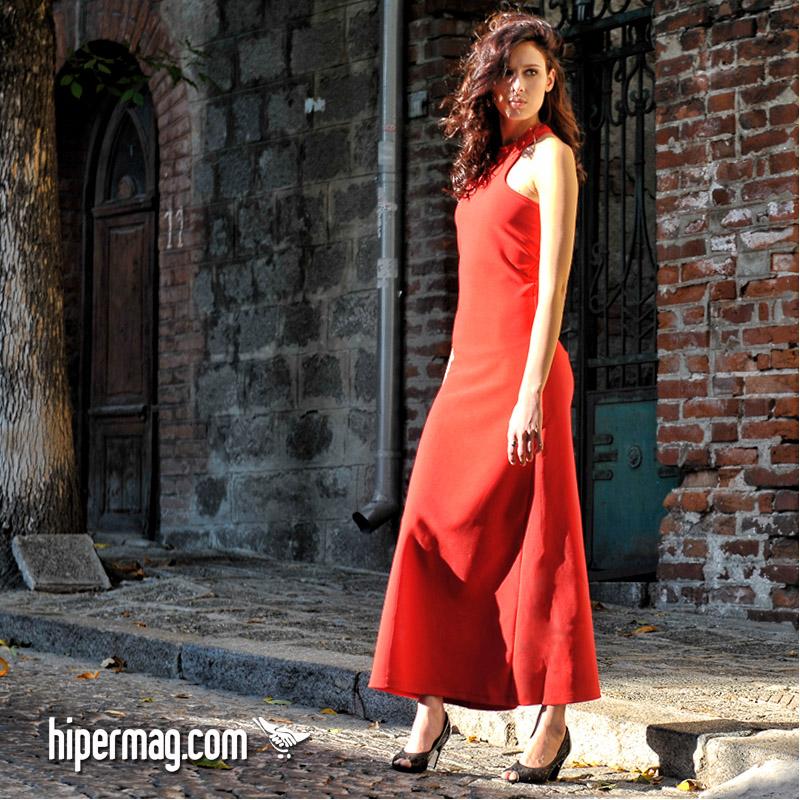 Дълга червена рокля – от La Speciale