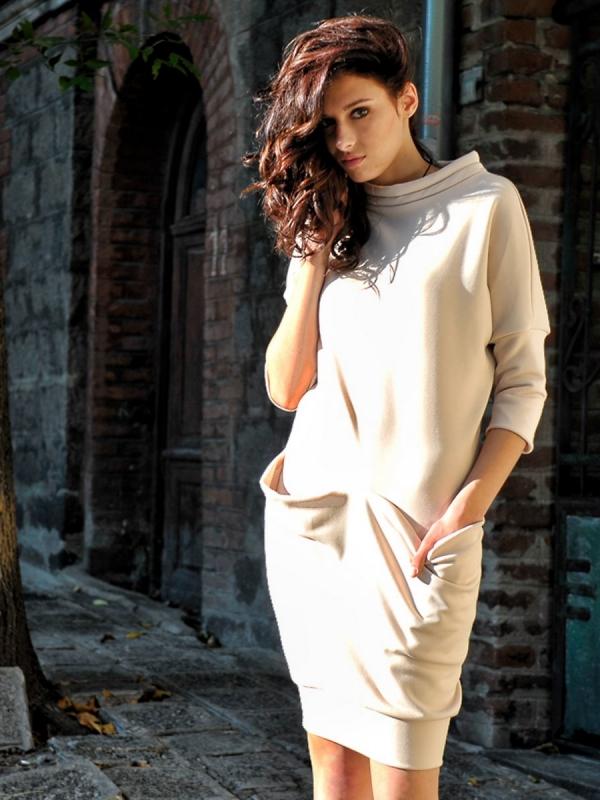 Красива рокля с джобове – от La Speciale