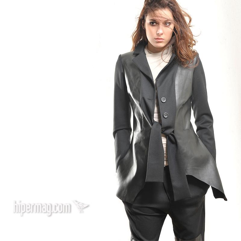 Дизайнерско сако от кожа и текстил – от La Speciale