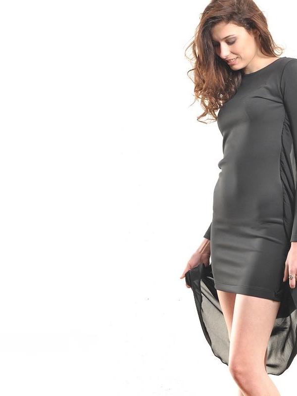 Къса рокля с гръб от дълъг шифон – от La Speciale