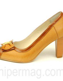 Стилни дамски обувки в светлокафяво - Balis