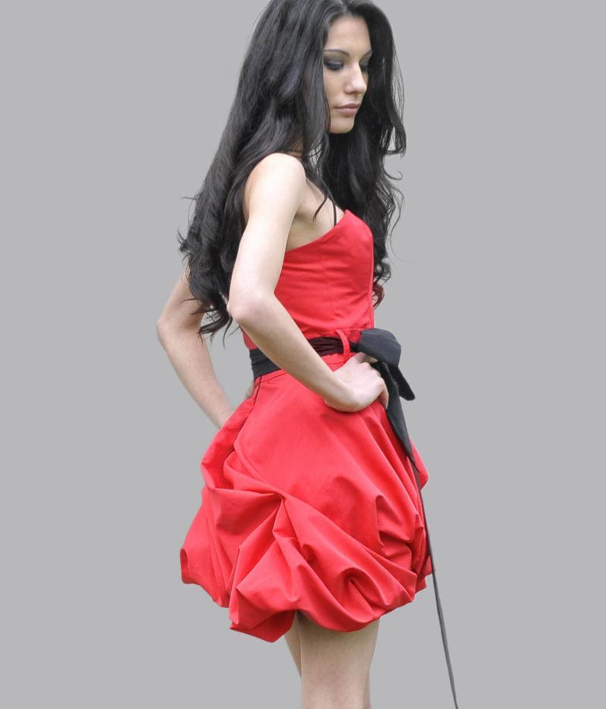 ab492afd177 Червена рокля LaSpeciale тип балон
