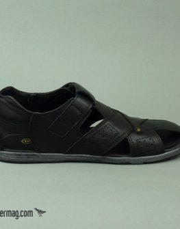 Затворени мъжки сандали в черен цвят