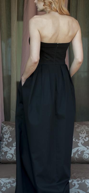 Дълга черна рокля от AGGATA