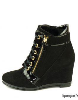 Дамски спортни обувки от черен велур – Sara Pen