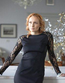 Черна рокля с гръб от дантела AGGATA