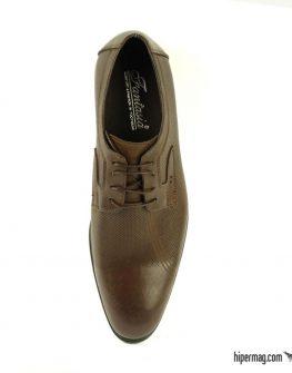 Официални кафяви обувки с интересен десен