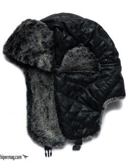 Черна ушанка Styler с декоративни шевове