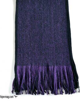 Свеж зимен шал в лилав десен