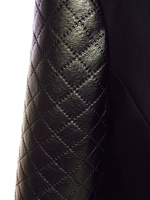 Черно дамско сако с кожени ръкави