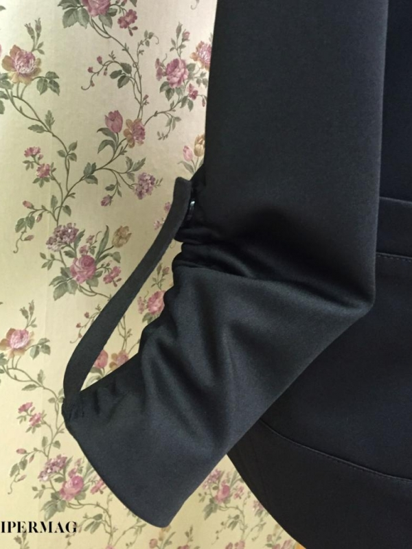 Дамско черно яке AGGATA