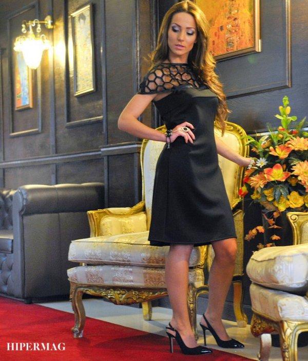Елегантна рокля La Speciale с деколте пчелна пита