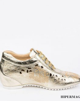 Дамски златисти обувки Sara Pen