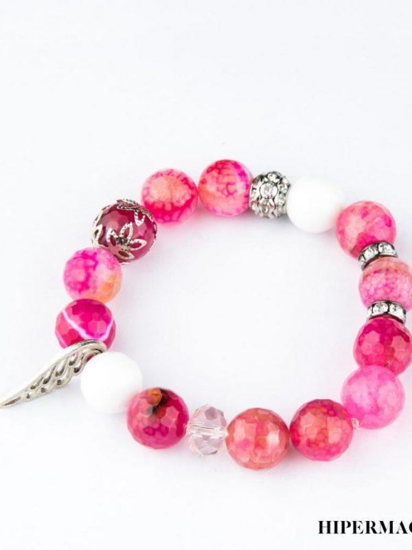 Розова гривна с бели и метални акценти