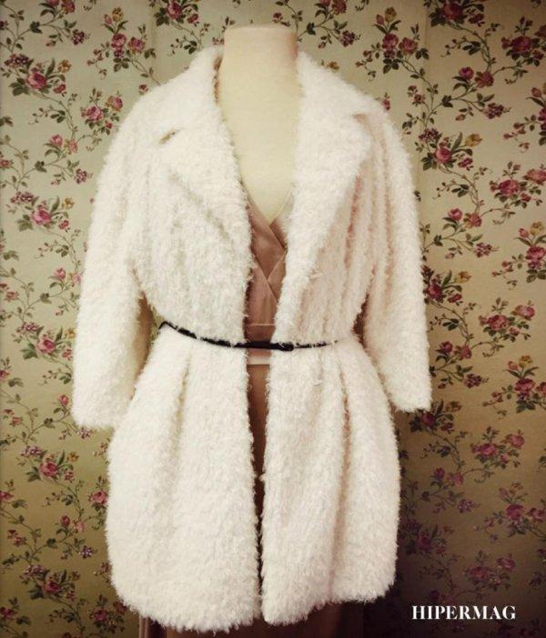 Дамско палто - цвят екрю Aggata