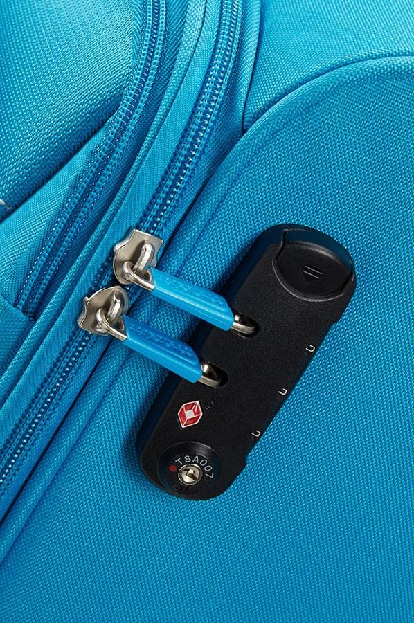 Малък куфар в светлосиньо American tourister