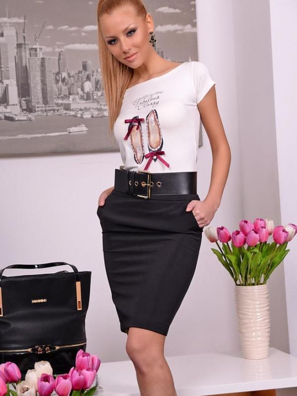 Черна пола с висока талия
