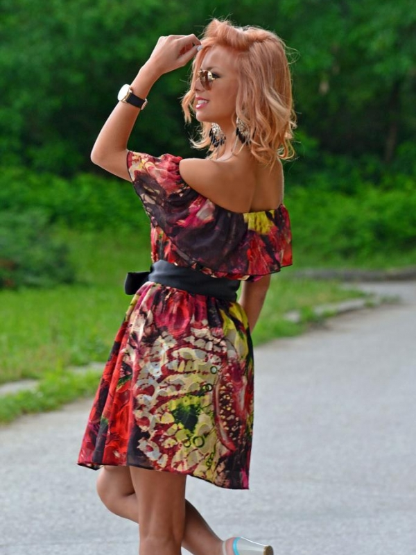 Ефектна лятна рокля