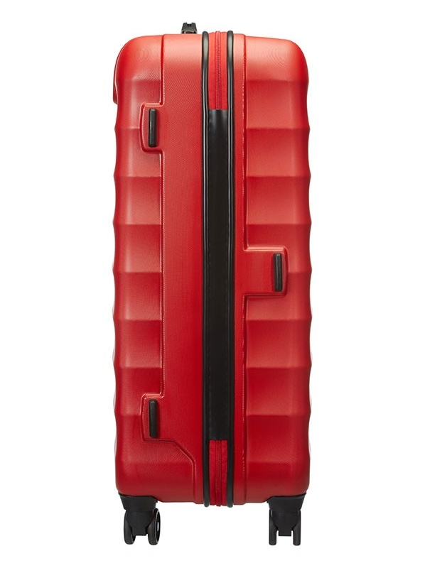 Червен куфар American tourister на 4 колела