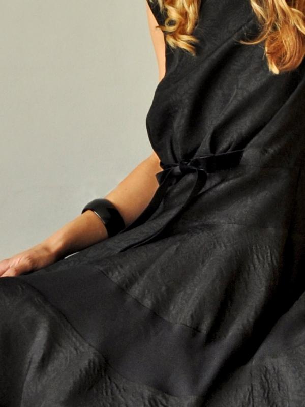 Нежна черна рокля Camelia
