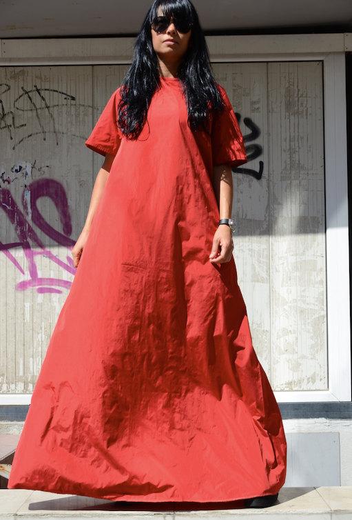Червена дизайнерска рокля Kotyto