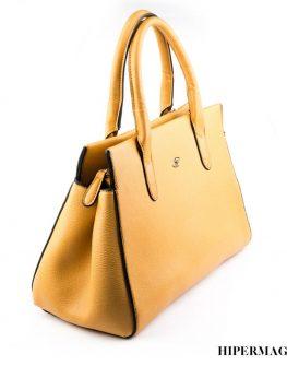 Дамска чанта цвят камел SARA PEN