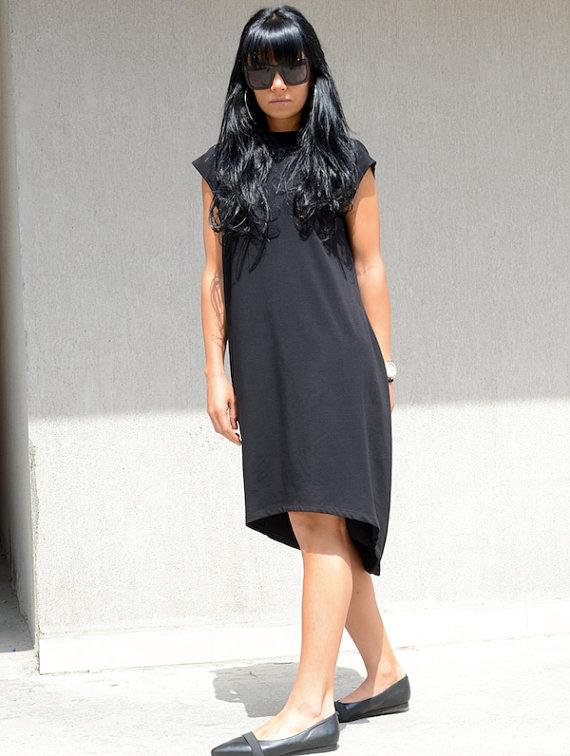 Дизайнерска рокля с гол гръб Kotyto