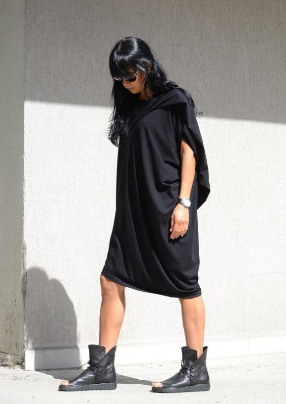 Дизайнерска асиметрична рокля Kotyto