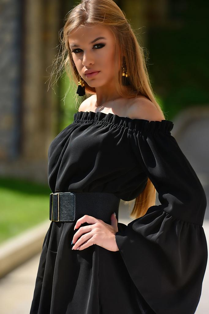 Стилна рокля с дълъг ръкав DPmoda