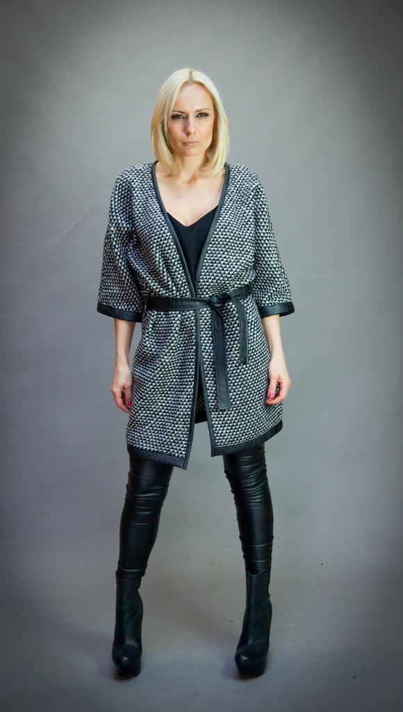 Плетена дамска жилетка в черно и бяло Aggata