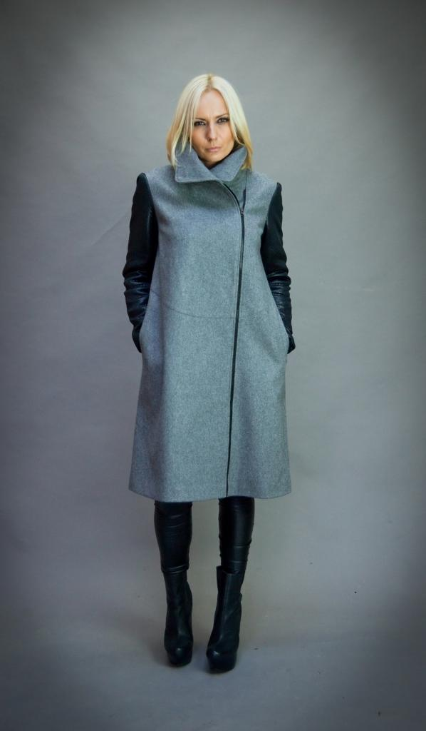 Сиво палто с асиметрично закопчаване Aggata