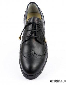 Ниски дамски обувки в черно Balis