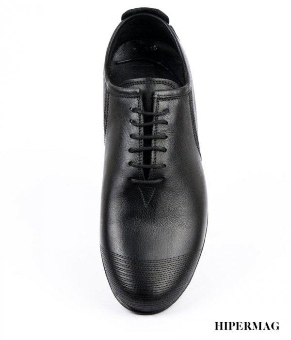 Мъжки обувкиот естествена кожа в черно Balis