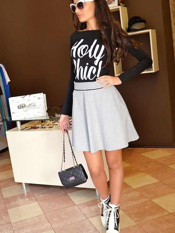 Черна блуза с бяла щампа DPmoda