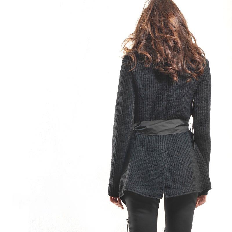 Палто-жилетка с външни джобове и коланче