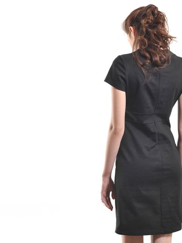 Нежна рокля с деколте панделки - от La Speciale