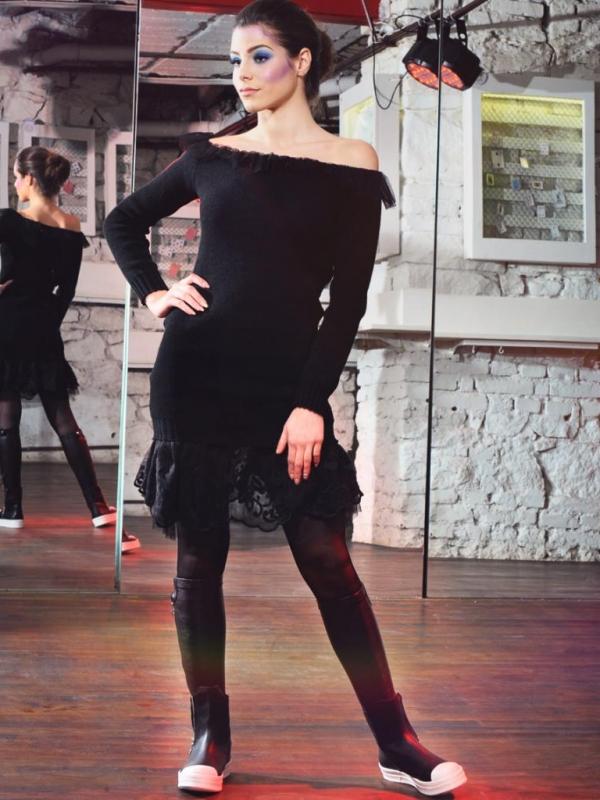 Дизайнерска рокля с дантела La Speciale